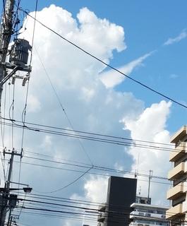 大きな雲の顔.jpg