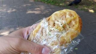 北大コップパンのツナパン.jpg